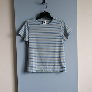 Size m  the north face shirt wms polyester t-shirt